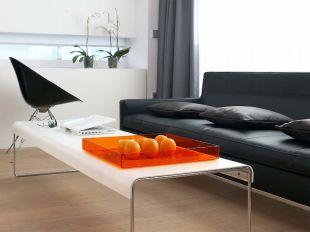 Szürke és narancs a nappaliban