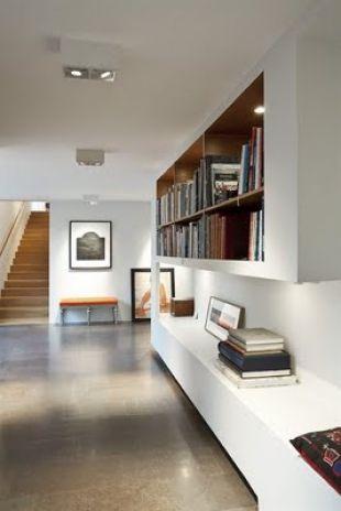 Épített könyvespolc