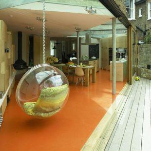 Narancssárga padló