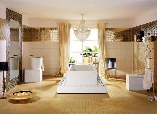 Fehér és arany luxusfürdőszoba