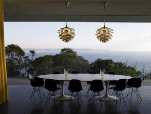 Sokszemélyes étkezőasztal panorámával