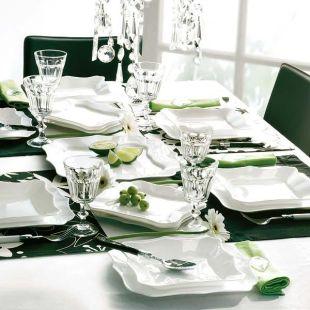 Sötétzöld ünnepi asztal