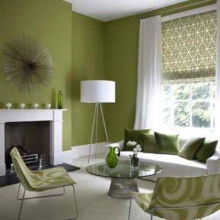 Méregzöld falak kandallóval