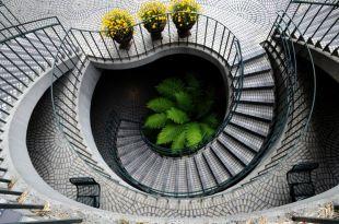 Íves lépcső fentről