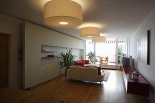 Óriási lámpák a nappaliban
