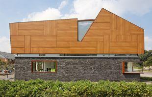 Fa-kő-üveg és kiugró ablakok