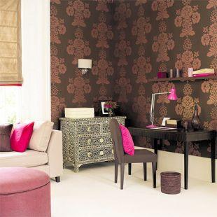 Pink kiegészítőkkel dekorálva